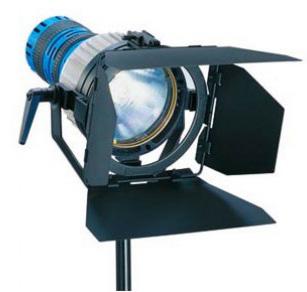 Alquiler Iluminación Arri HMI Pocket PAR 200w | Camaleon Rental